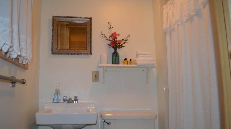 Bathroom 2 – Jim Heigis