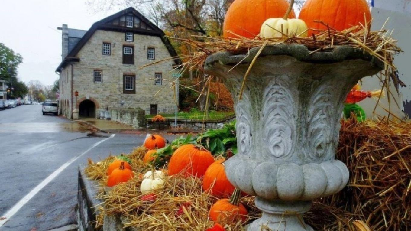 Main Street and the Old Mill decorated for fall festivities – Cynthia Montes