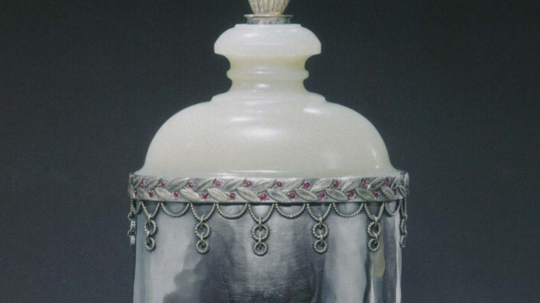Greek Pyxis jar, by 1922 – Metropolitan Museum of Art