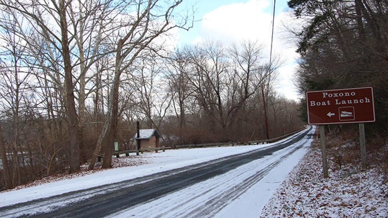 The entrance to Poxono Access as seen heading north on Old Mine Road in New Jersey. – National Park Service