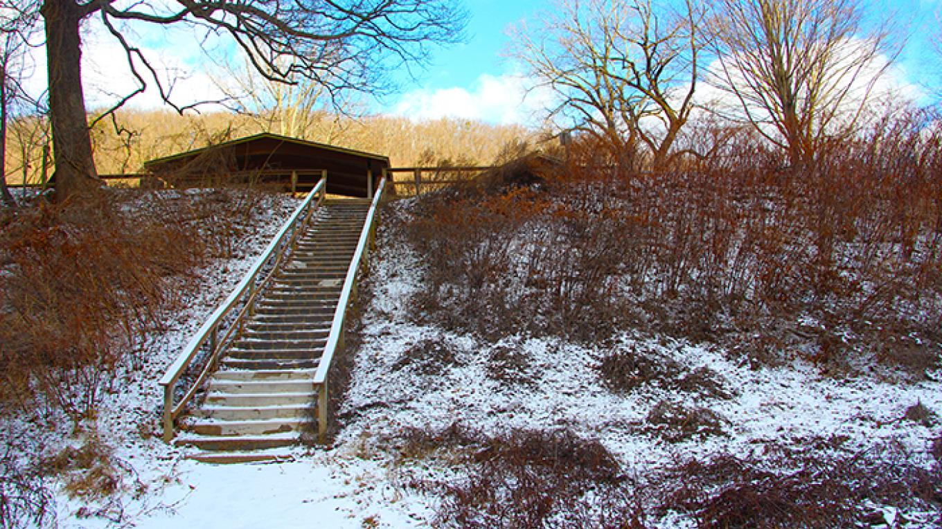 Stairs lead up from Kittatinny Point Canoe Access to picnic tables and restrooms above. – National Park Service