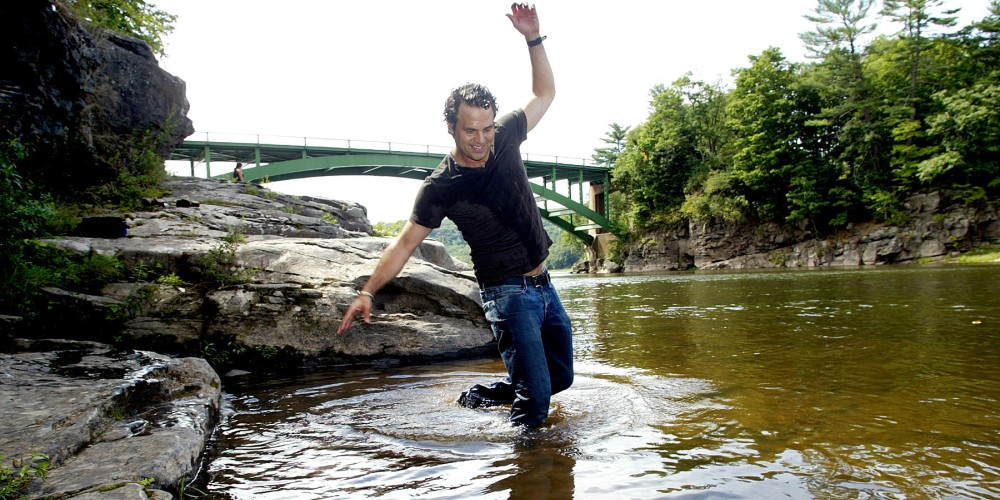 Mark Ruffalo plays in the Upper Delaware River – Times Herald Record