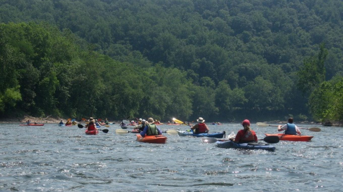 Sojourners paddle the Delaware River. – Delaware River Sojourn Steering Committee