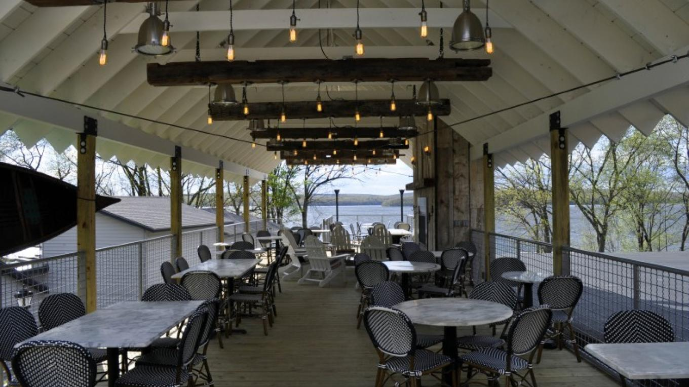 Dine on our new 100-ft deck – O'Fee Photography