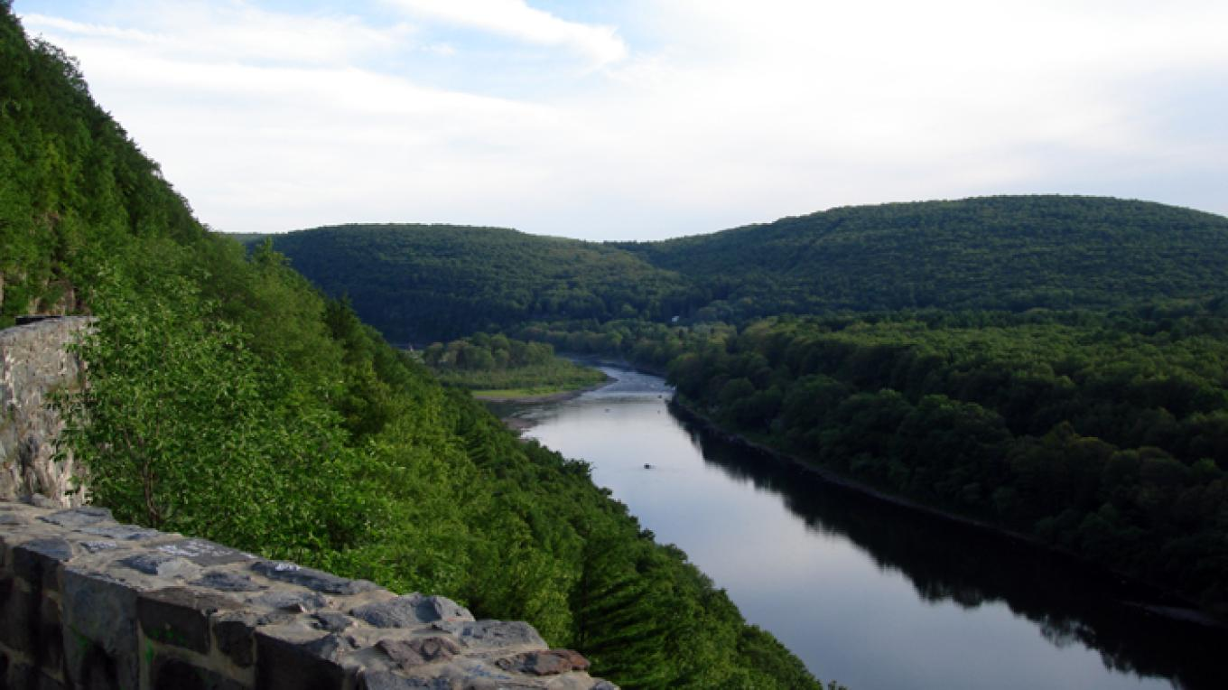 A view of the upper Delaware River from Hawk's Nest Overlook. – Delaware River Basin Commission