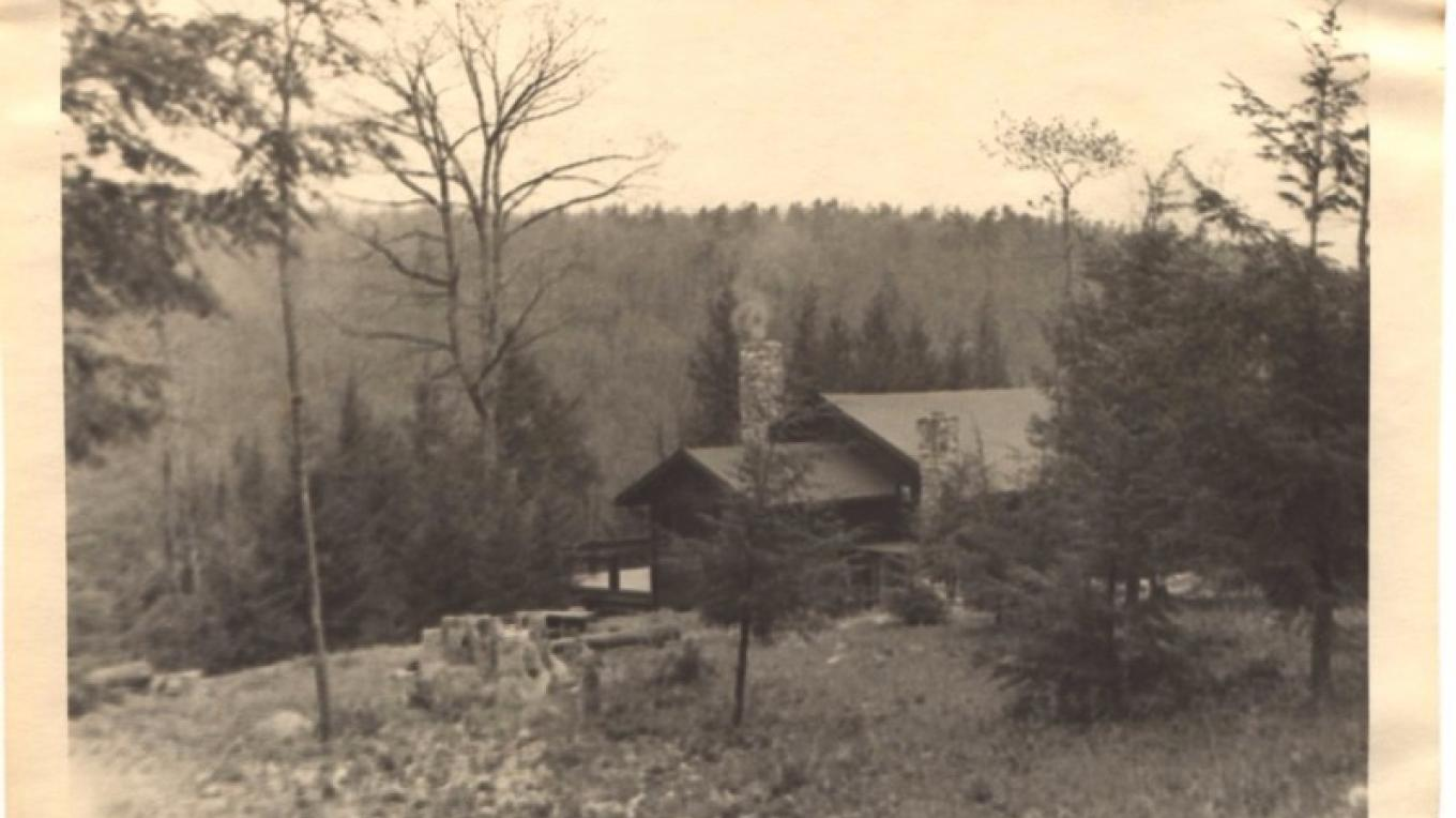 1940s view of Lodge