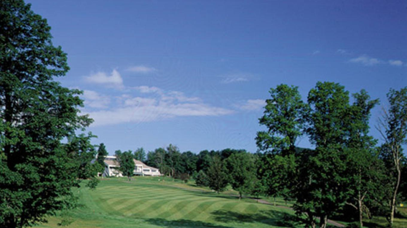 10th Hole & Clubhouse