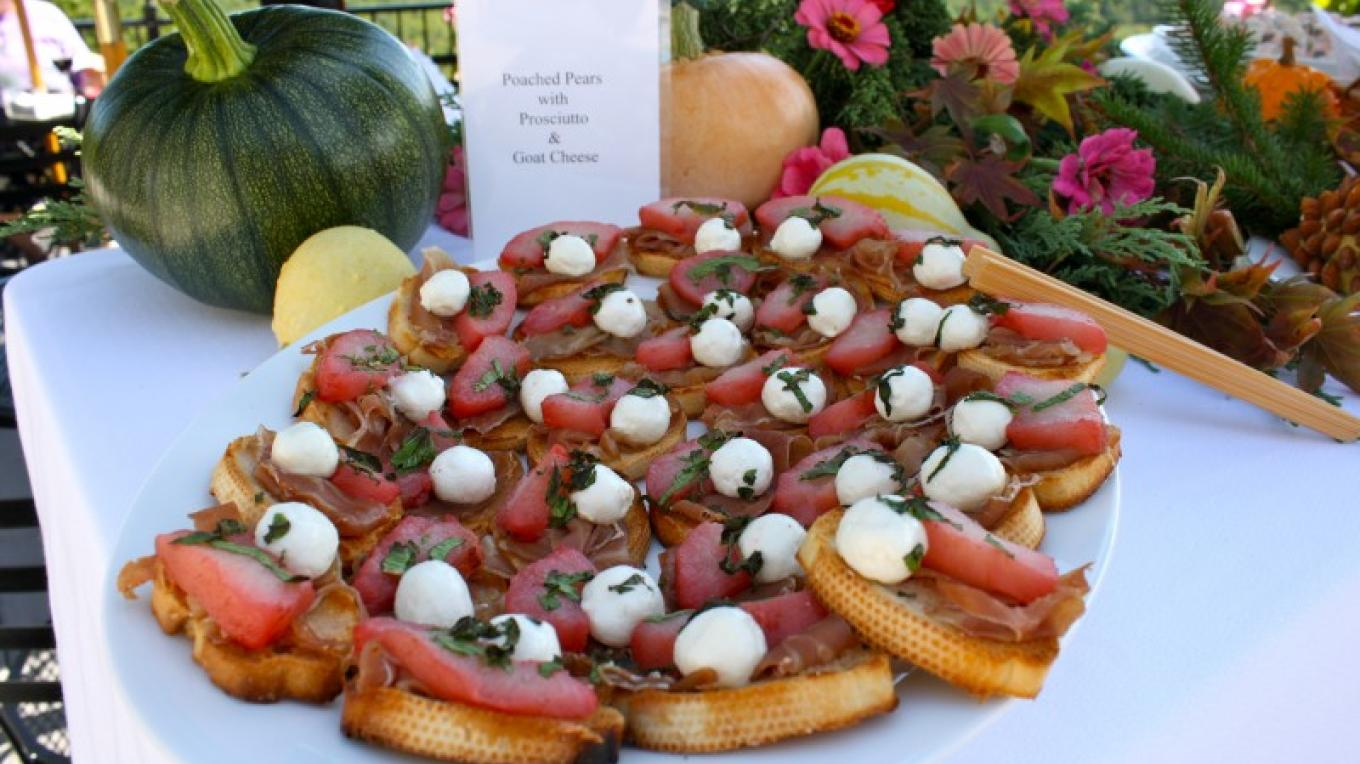 Guests enjoy a variety of tasty hors d'oeuvres at the afternoon reception – Kurt Kreider