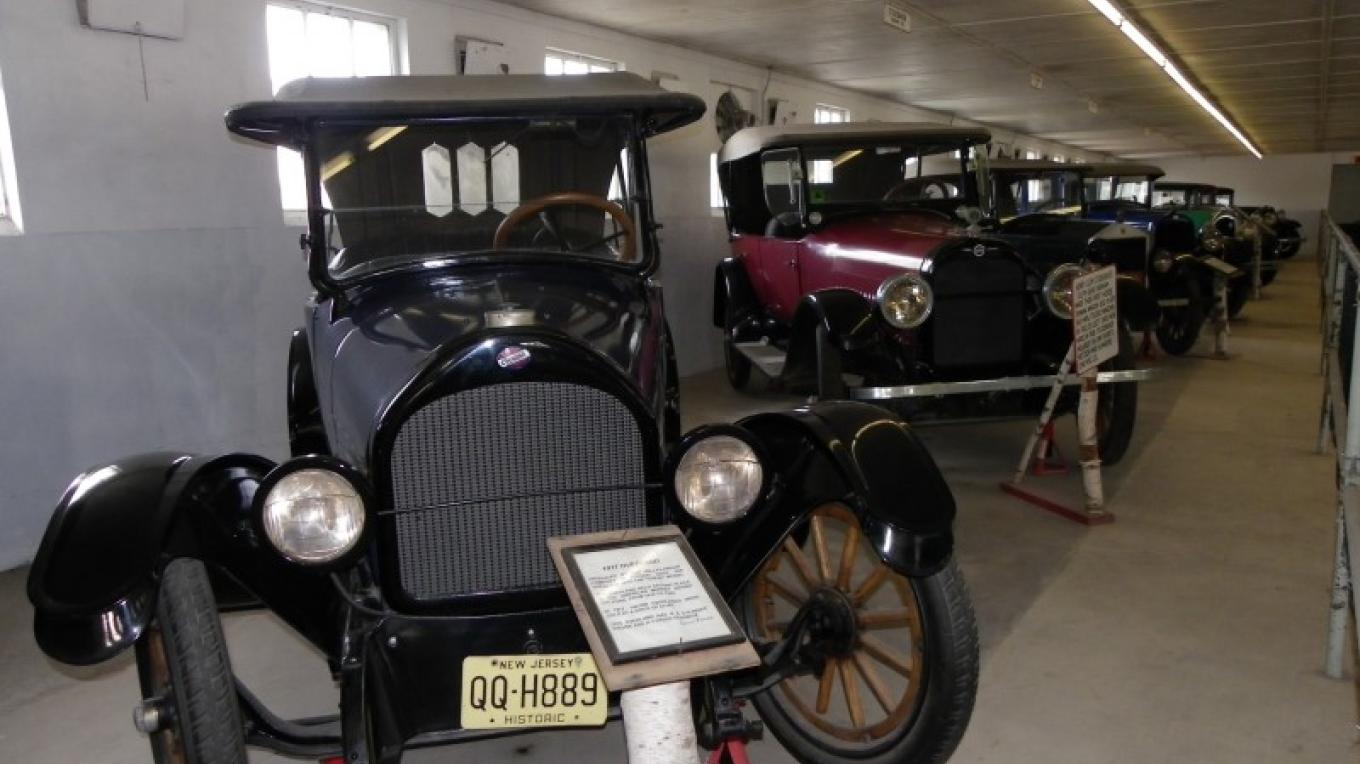 The Car Museum at Space Farms has cars dating from 1908 to 1954! – Lori Space Day