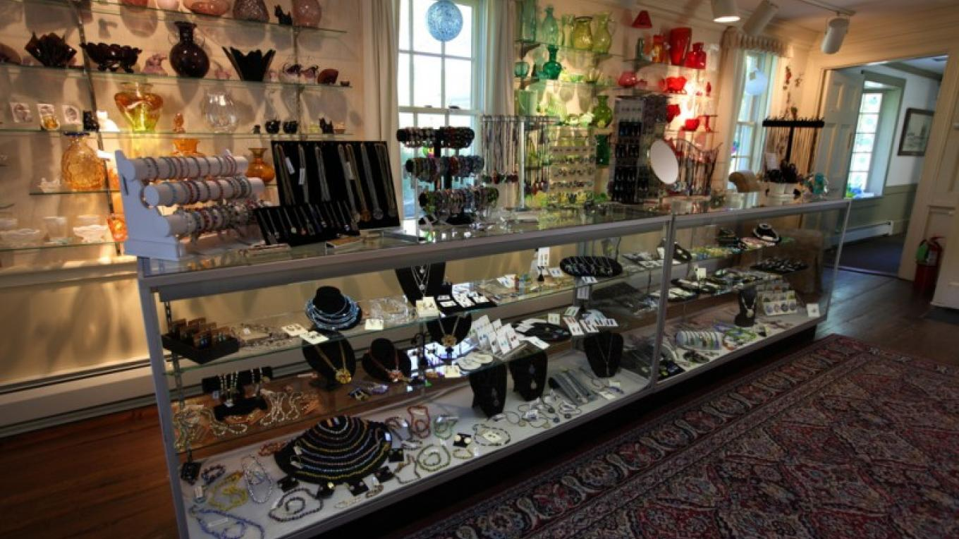 The Museum Gift Shop carries an extensive inventory of contemporary glass gifts, jewelry, sun catchers, paperweights and more. – Henry J. Loftus