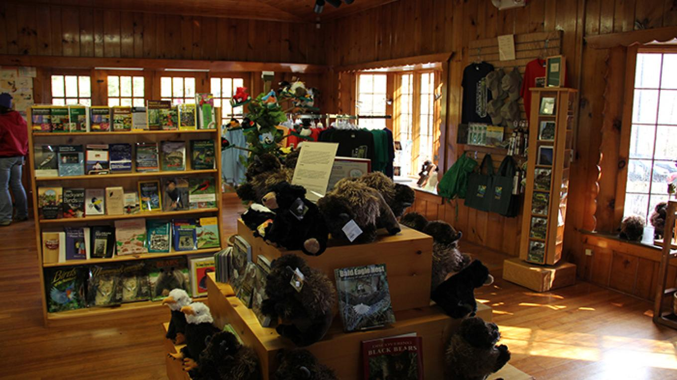 Bookstore and gift shop at Dingmans Falls Visitors Center. – National Park Service