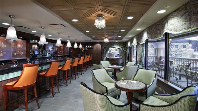 Mezzanine Bar – Peter Paige