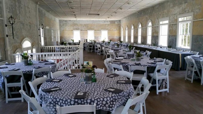 Dining Hall ready for a wedding. – Photograph by: Castle Inn