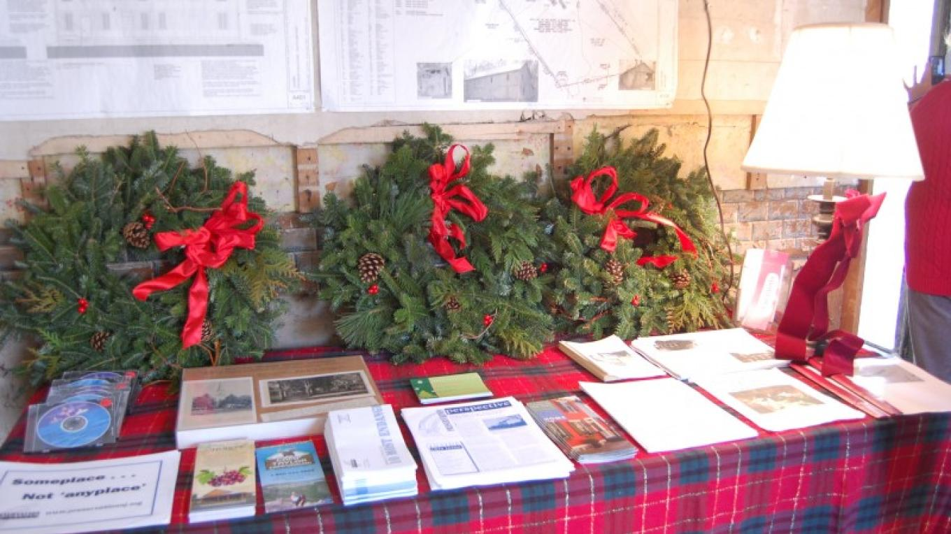 Wreaths courtesy of Triple Creek Farm and Nursery. Christmas in the Country at Ramsaysburg Historic Homestead, Delaware, NJ – Christine Beegle