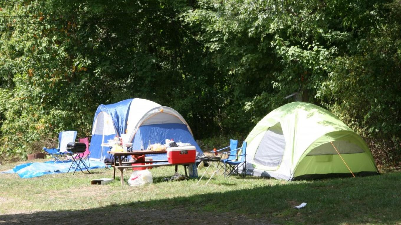 Tent camping – Photograph by: Kymer's Camping Resort
