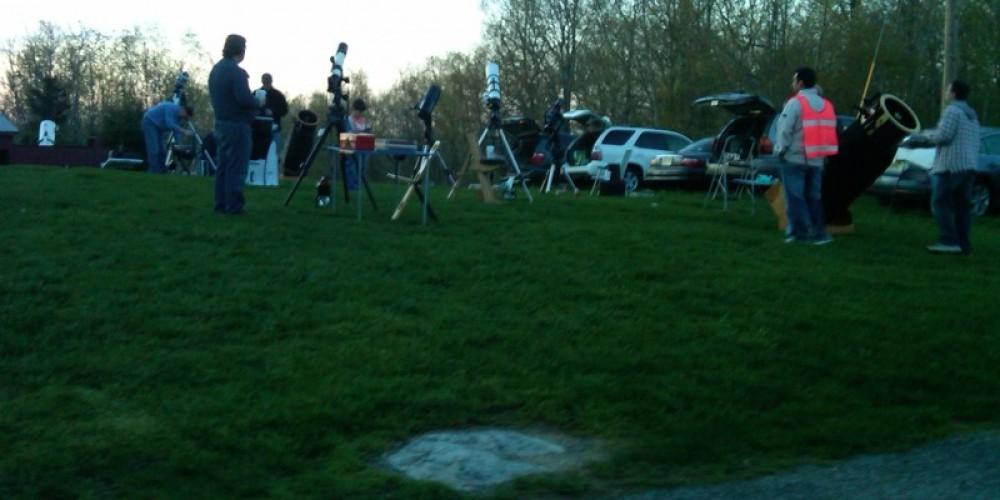 Setting up members' telescopes on a public night. – Ken Taylor
