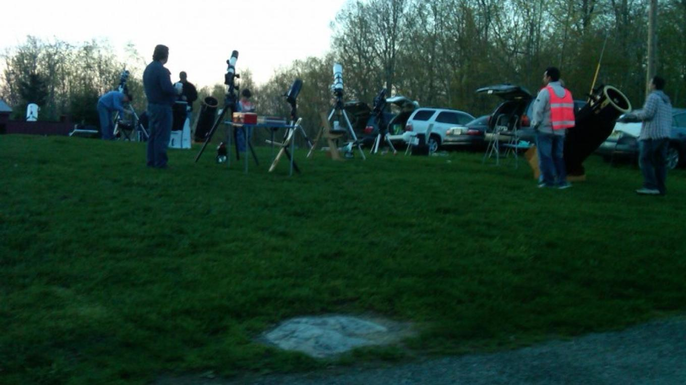 Setting up members' telescopes on a public night. – Ken Taylor