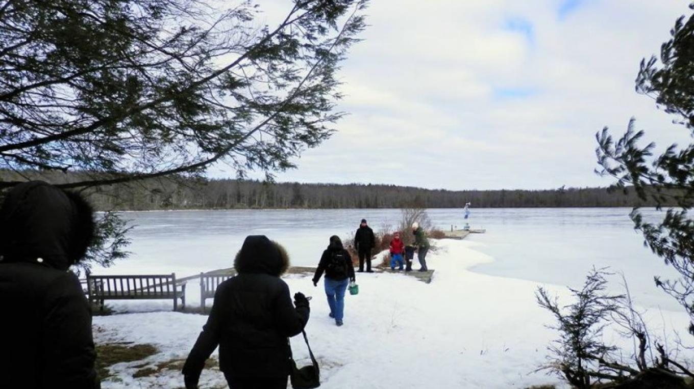 A winter hike to the lake – Jenna Mauder