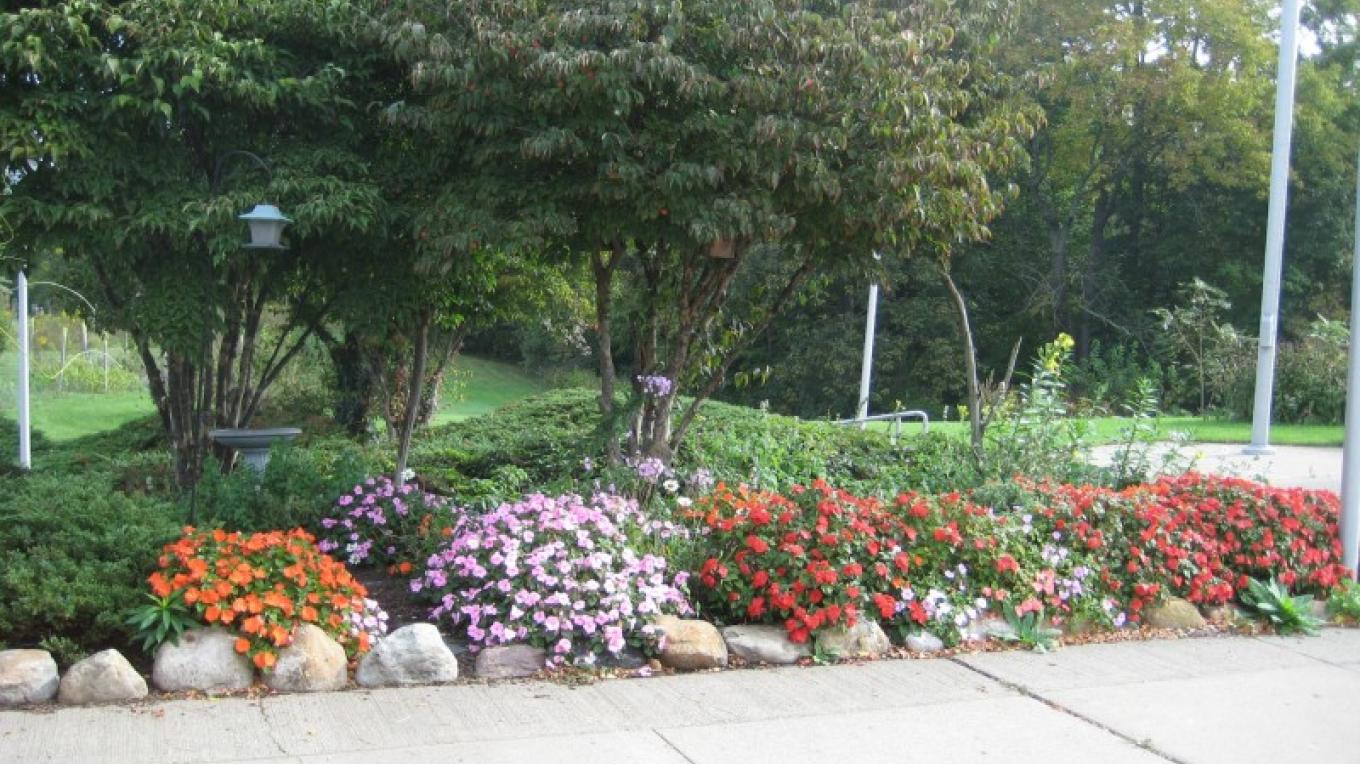The gardens throughout the grounds are maintained by the NJ Department of Transportation. – Jessy Taylor