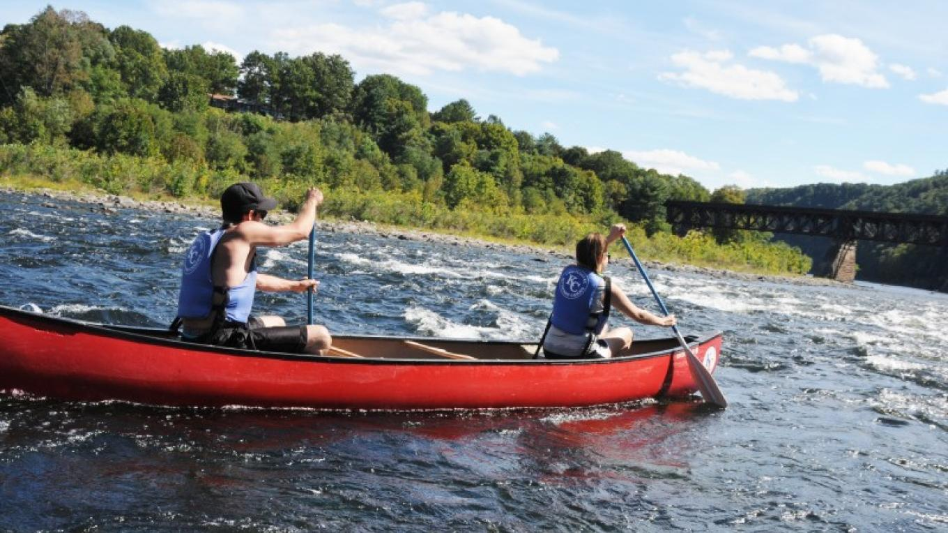 Canoe- Choose the trip that fits your skills and needs. The Delaware offers both calm and whitewater. – Kittatinny Canoes, Inc