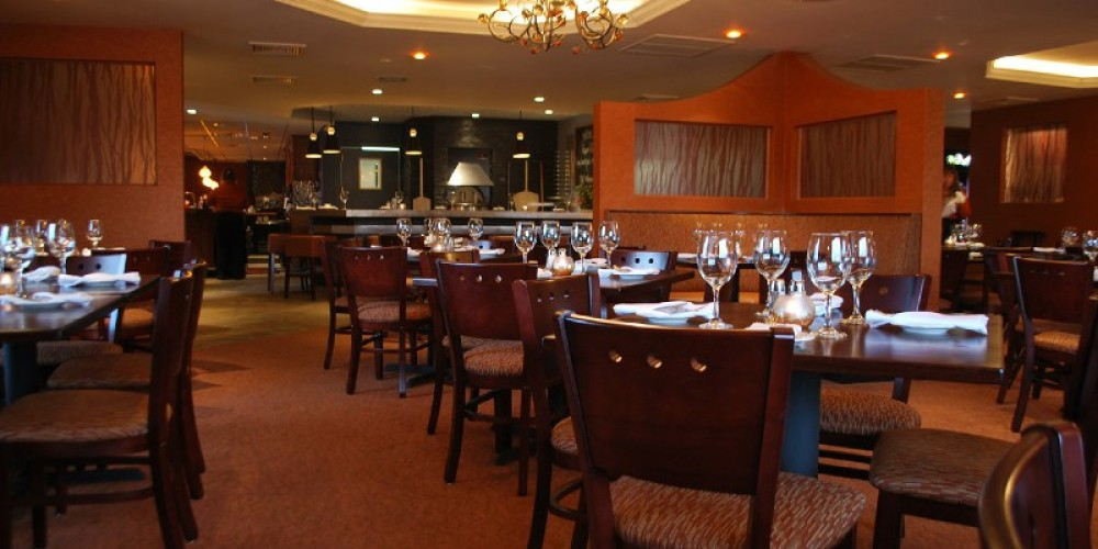 The Dining Room at Peppe's Bistro – Photograph by: Local Flair