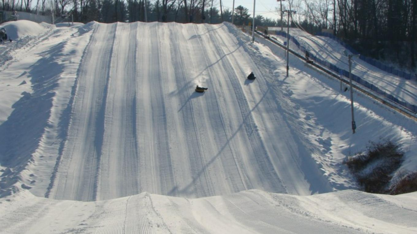 White Lightning Snowtubing at The Villas at Fernwood Resort located next to the Delaware Water Gap National Recreation Area on Rt 209 in Bushkill, PA. – David Coulter