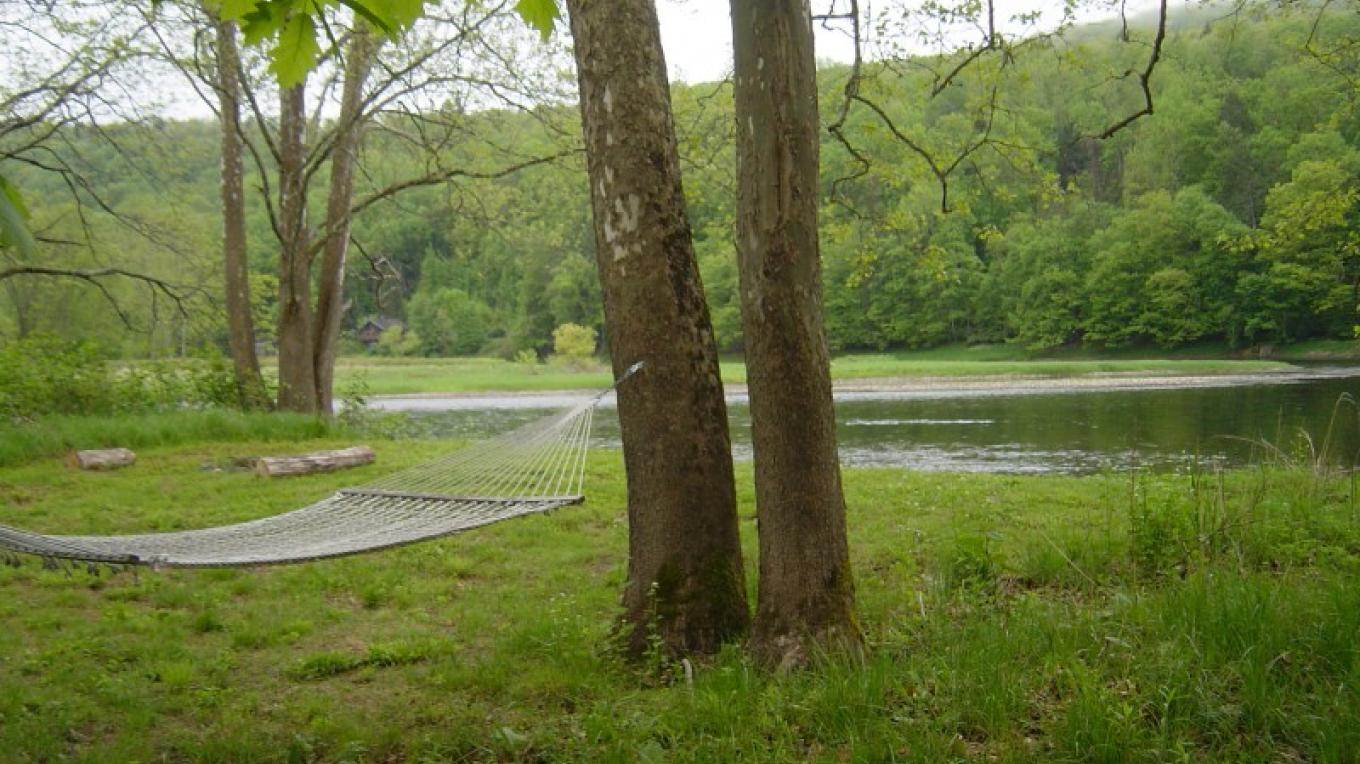 Hammock and river access – Cindy