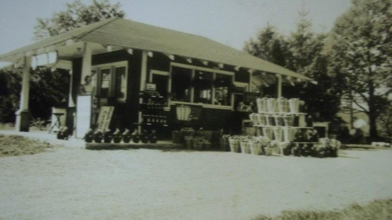 The original farm stand, 1936 – Photograph by: Marshall's' Farm Market and Country Store