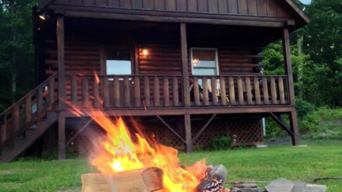 All cabins have outdoor BBQ's and Firepits. You can order wood to be delivered to your cabin for your arrival by calling in advance. Nothing better than roasting marshmallows and having a sing-song around a campfire. – Staff