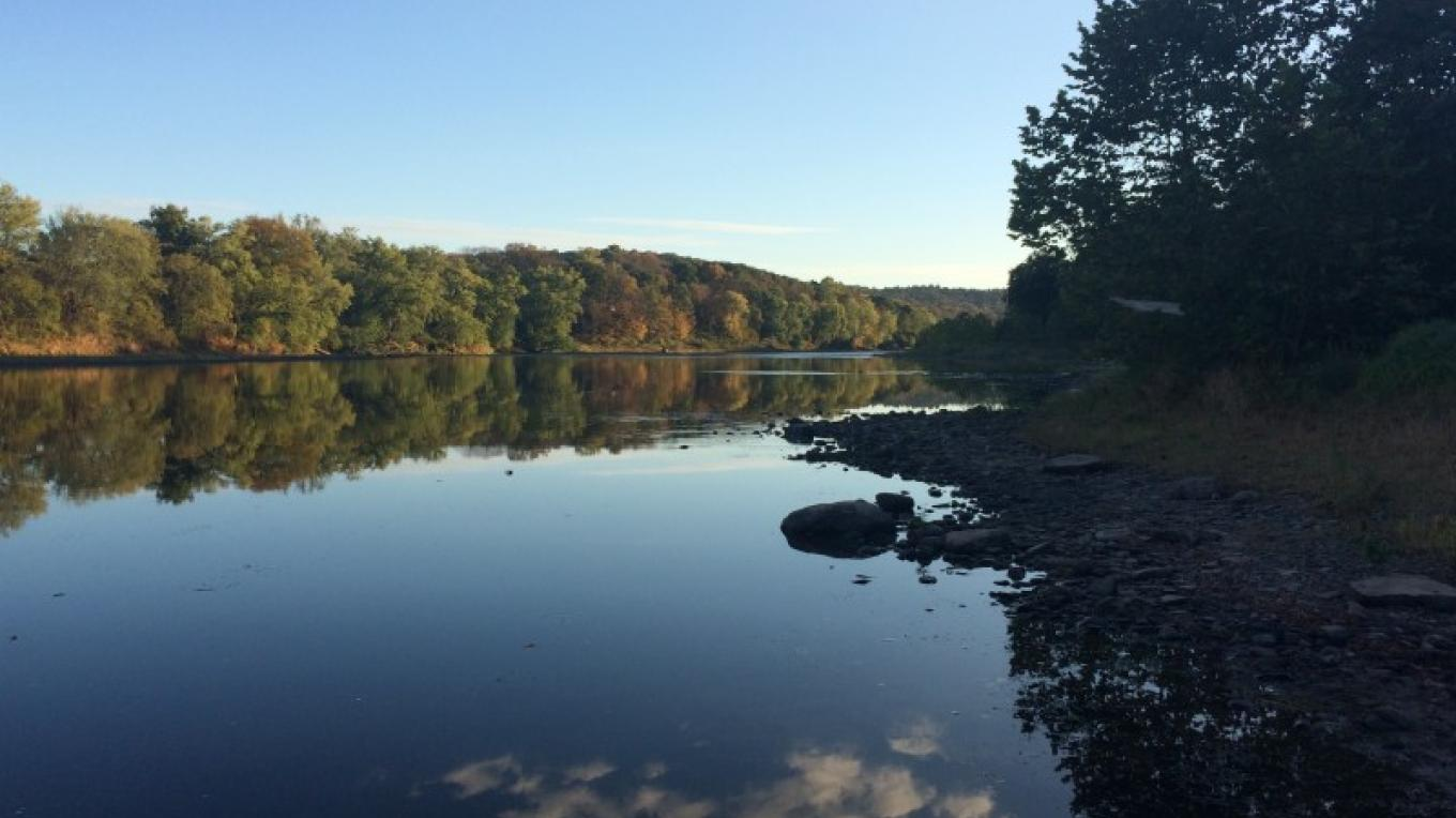 View from Bushkill Boat Launch, looking south – National Park Service
