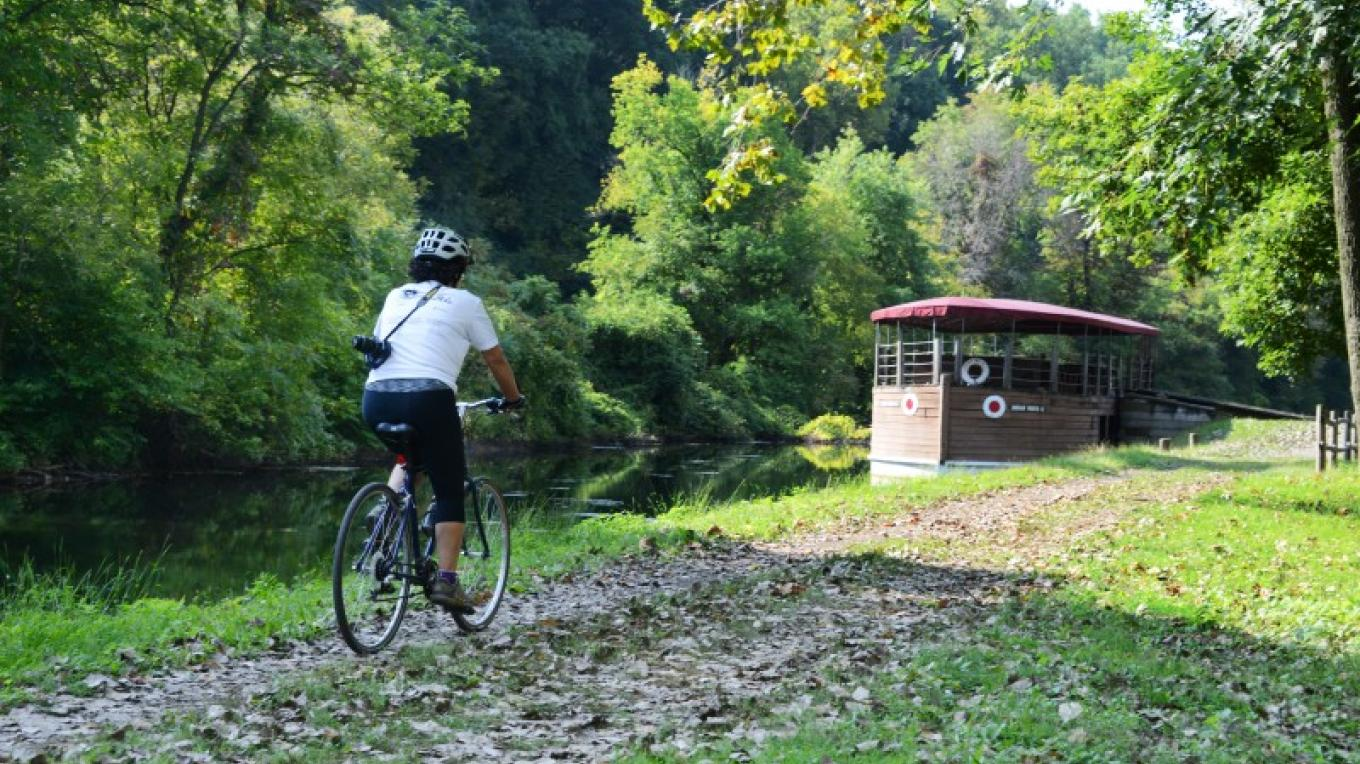 Visitors can enjoy scenic views of the Lehigh Canal and Josiah White II when they visit Hugh Moore Park. – Delaware & Lehigh National Heritage Corridor