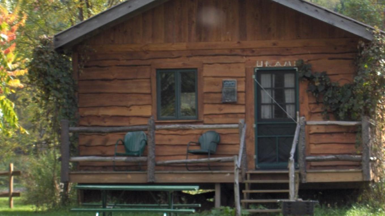 """Unami"" Cabin – Annie Hood"