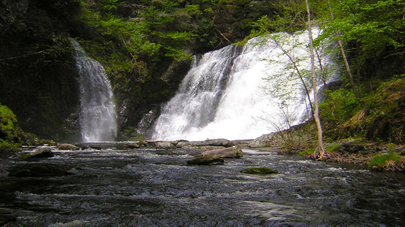 Lower Raymondskill Falls. – National Park Service