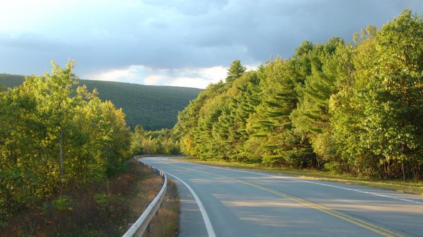 Upper Delaware Scenic Byway on a beautiful spring day. – David B. Soete