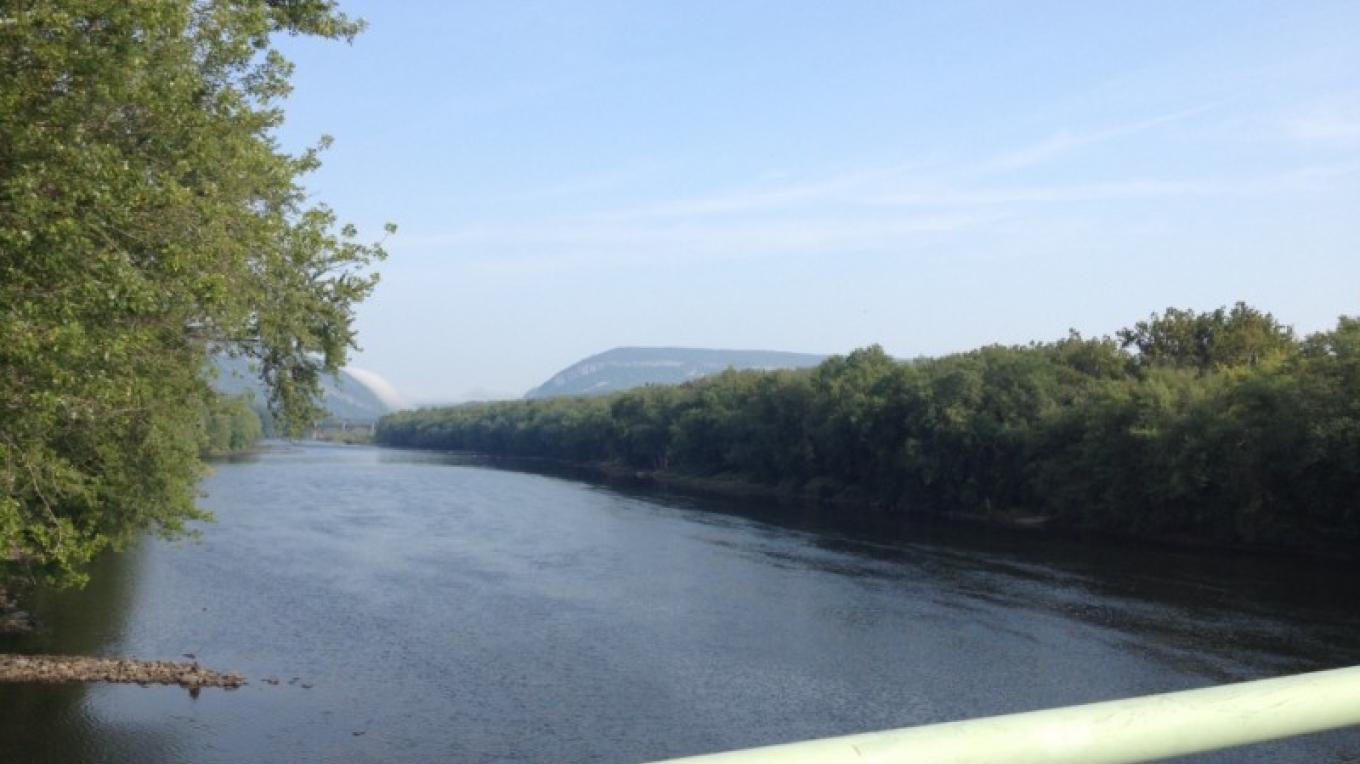 View of the water gap and two states from the Portland(PA)-Columbia(NJ) Pedestrian Bridge, spanning the Delaware River – Property of the Slate Belt Community Partnership