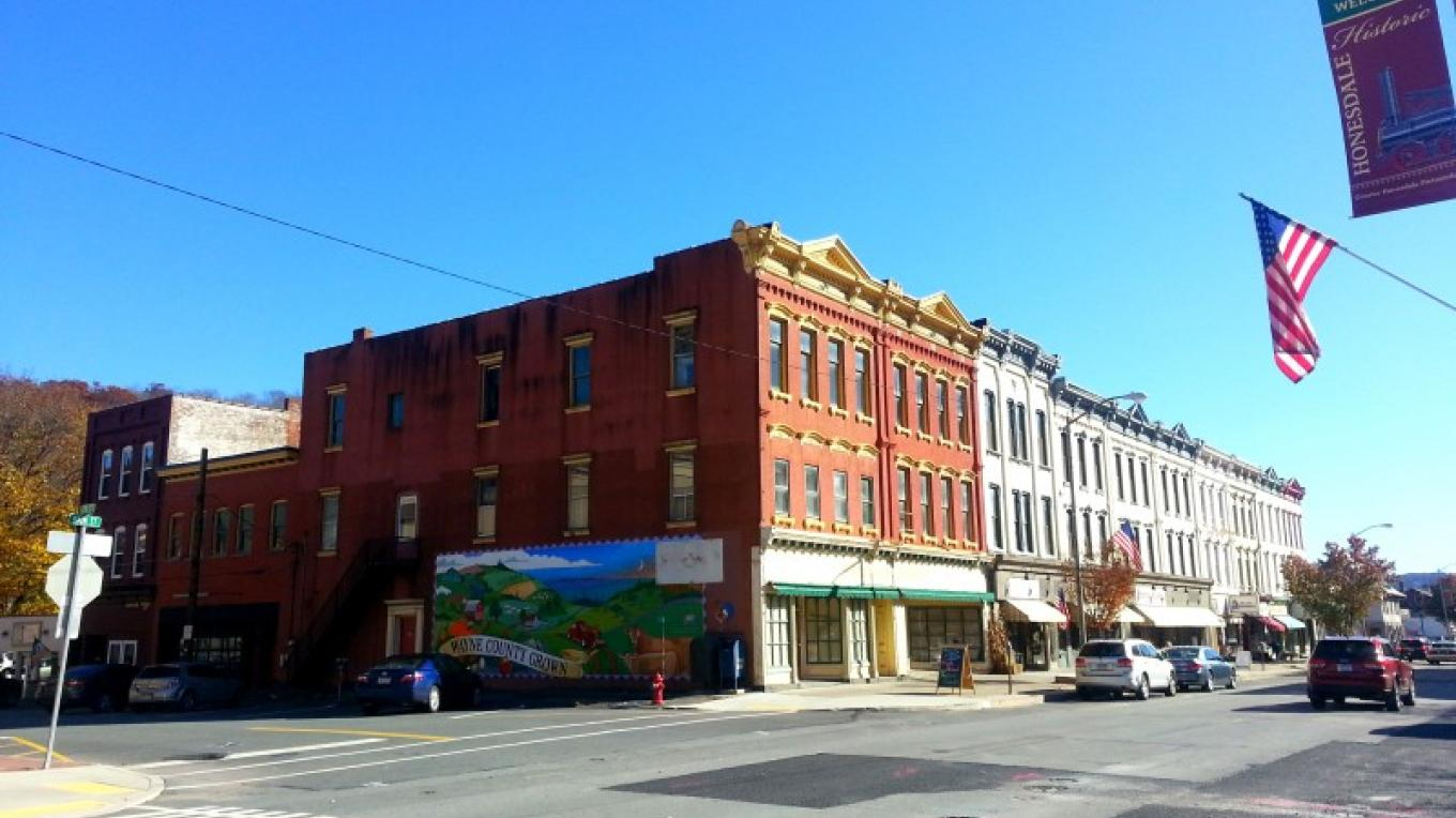 Main Street Honesdale, looking southeast at mural. – Derek F. Williams