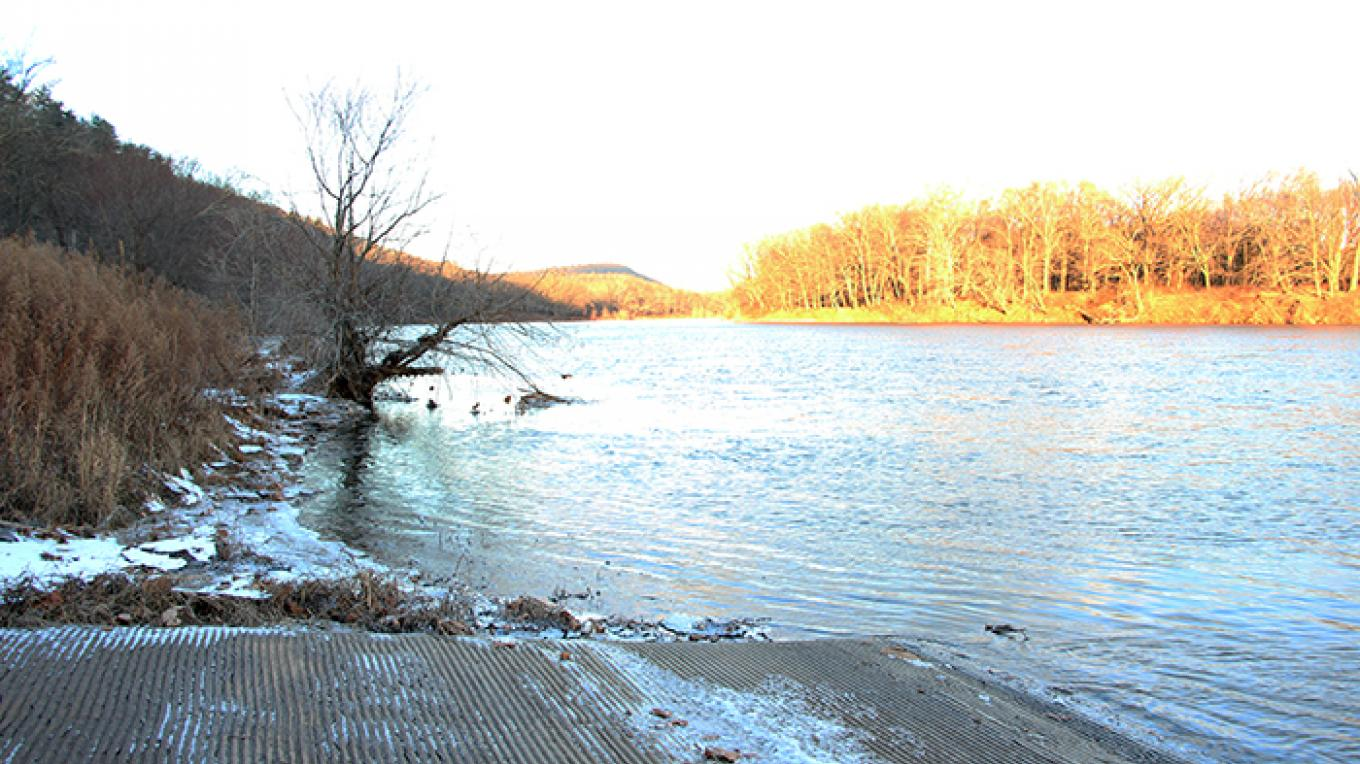 Looking upstream from Bushkill Boat Launch – National Park Service