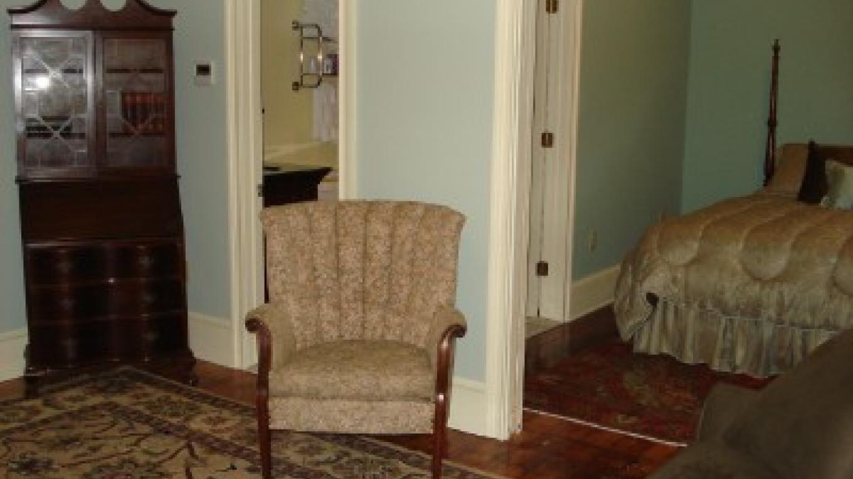Suite 301 – Photo by: Deer Head Inn