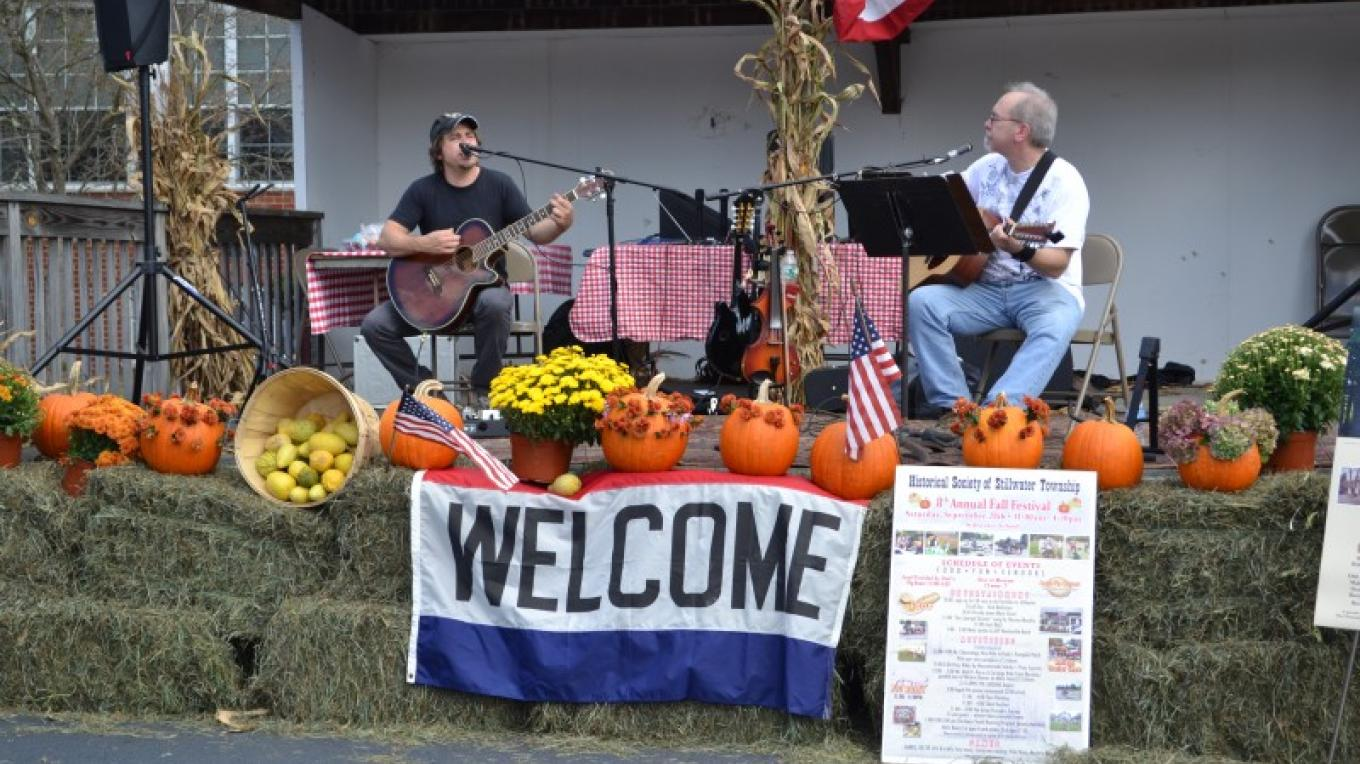 Local Live Music at the Stillwater Fall Fest. – Robert Jacoby