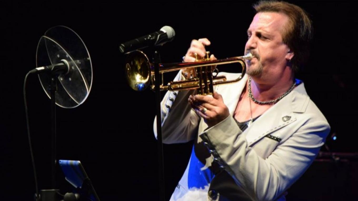 Al Chez plays his trumpet for the audience of the 2015 Summer Jamfest. – Chris Young