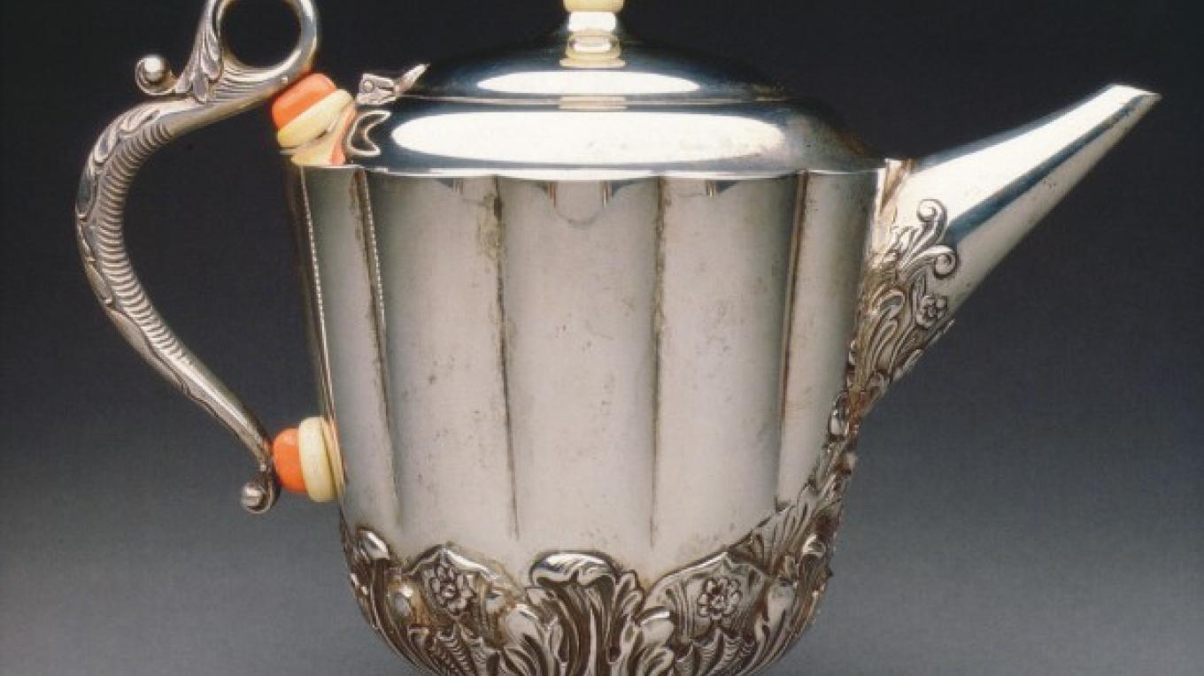 Silver coffeepot, before 1930 – David Cole