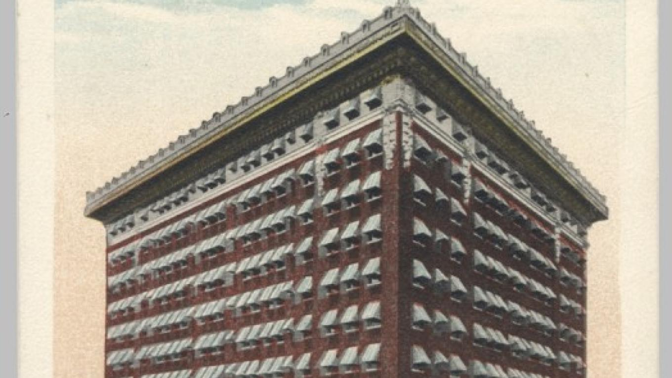 Two images of Hotel Casey in Scranton, PA. This one, with awnings on every window, and a large pennant flying from the roof. Awnings were vital in the days before air conditioning! – Antique postcards believed to be at least 80 years old.