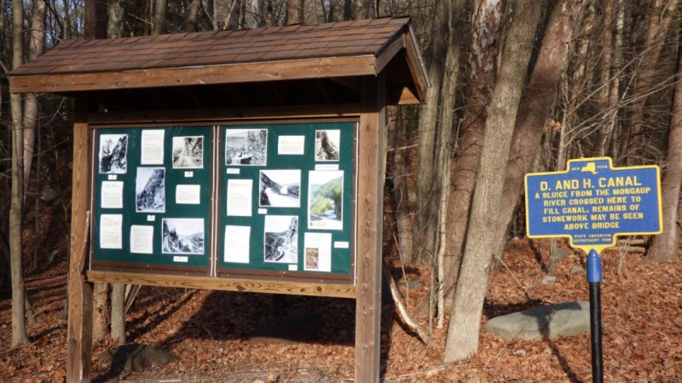 Kiosk featuring The Hawk's Nest history Route 97 – Lynn M. Burns