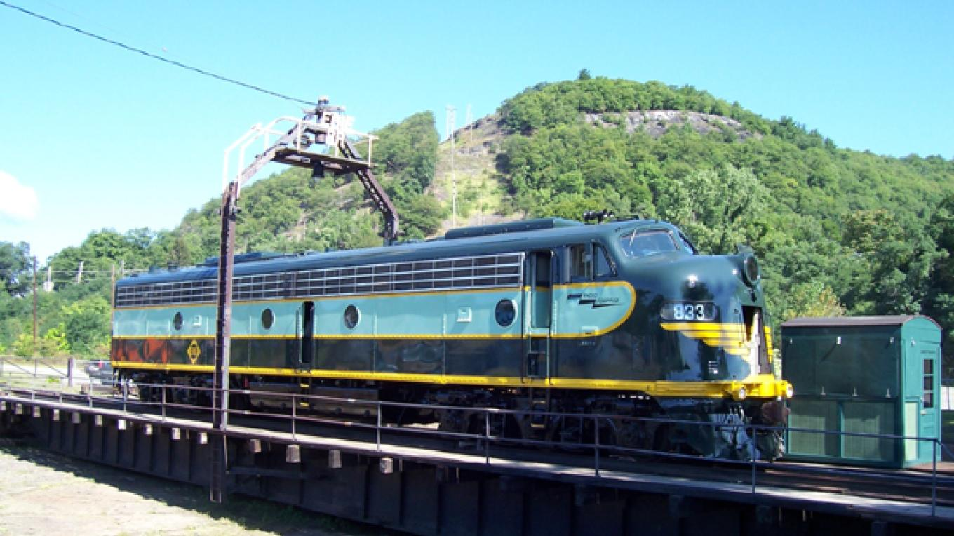 Erie Turntable with Mount William in the background – Minisink Valley Historical Society