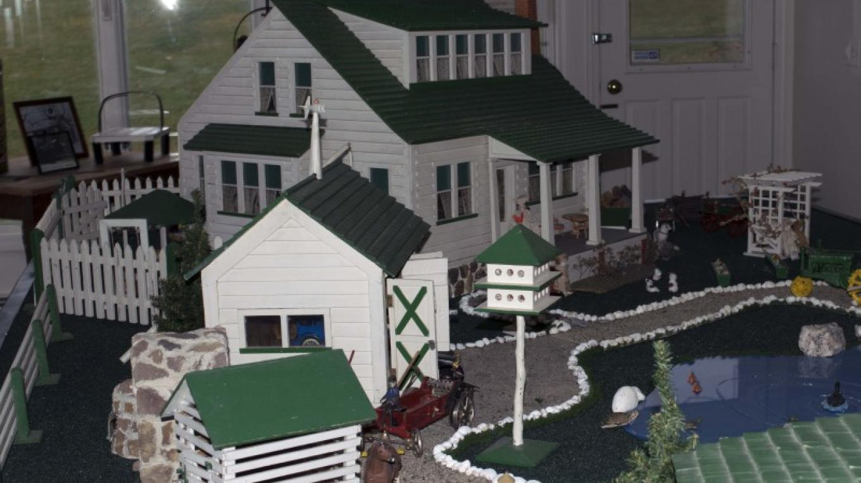 Handmade miniature farms scene in farm room. – Nancy Madacsi