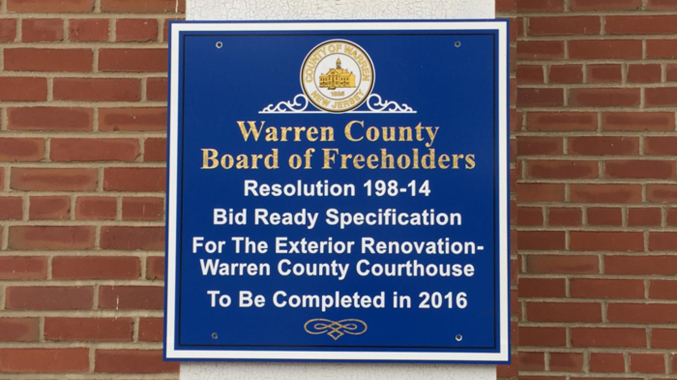 Information sign for the Warren County Courthouse regarding the ongoing restoration. – Patricia Butler