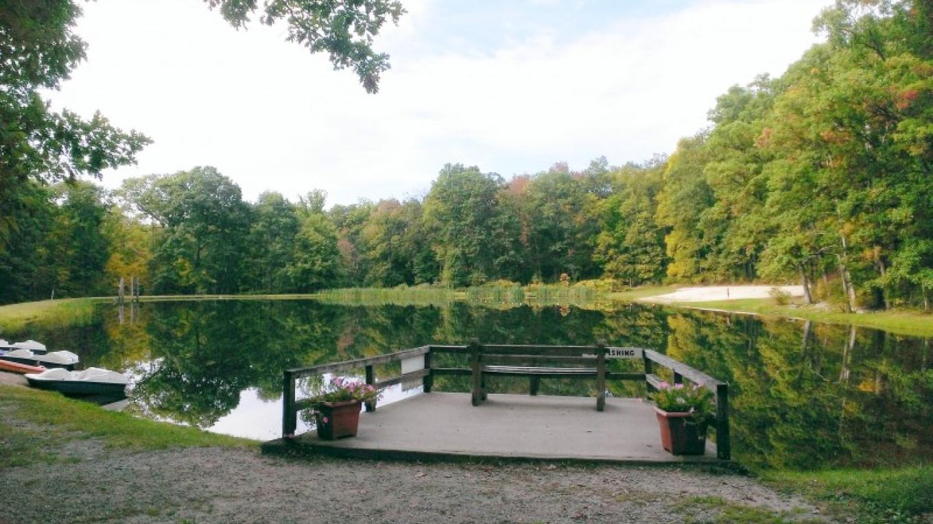 Rent a boat or take a dip in our swimming pond. – Camp Taylor Campground