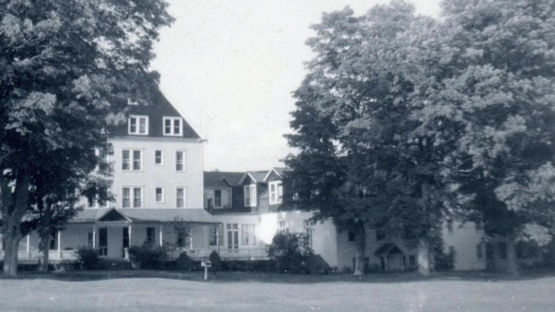 DeBruce Club Inn 1940's – Bill Kocher