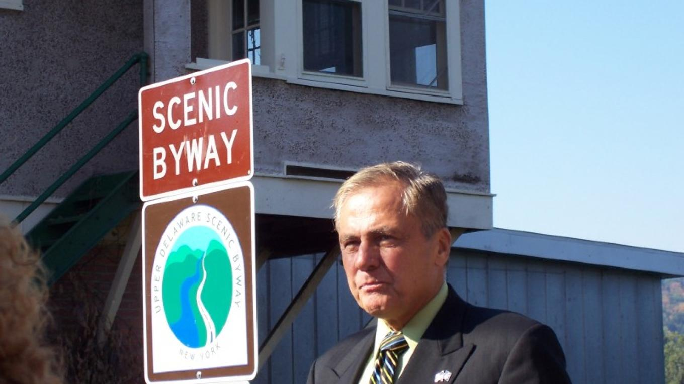 New York State Senator John J. Bonacic helped dedicate the route markers posted along the Upper Delaware Scenic Byway in a 2005 ceremony at the Big Eddy Overlook in Narrowsburg. – Laurie Ramie