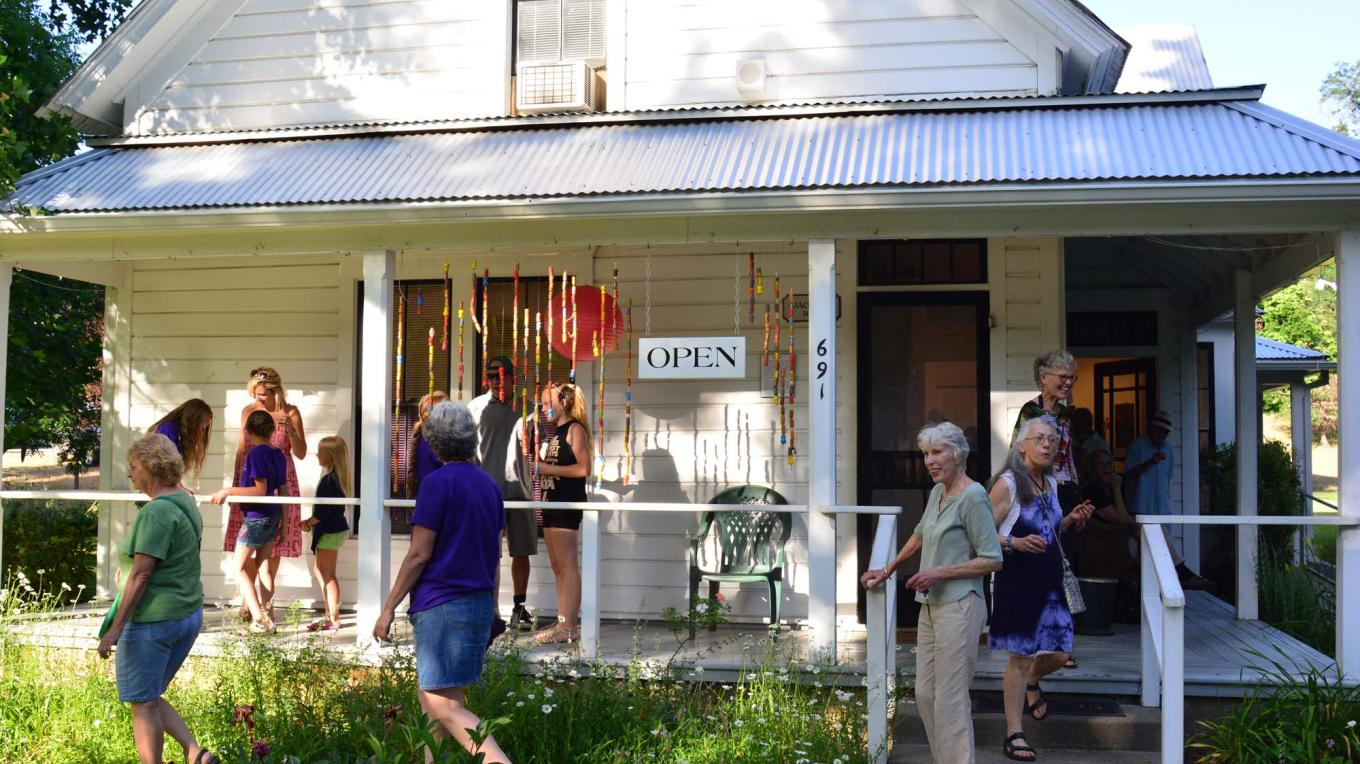 Join us for the Art Cruise, meet the featured artists in 2 art galleries and several businesses that exhibit art and serve refreshments.  Listen for live music at several venues.